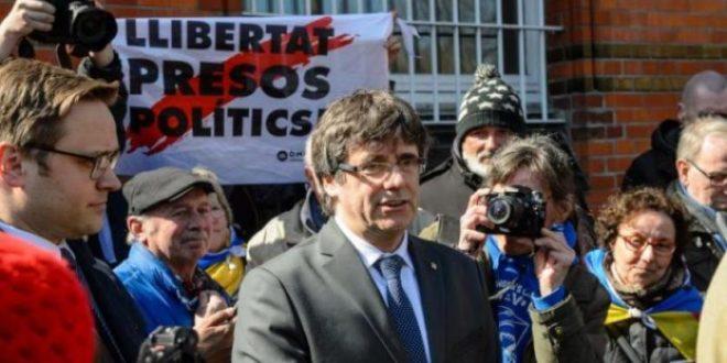كارلوس بوتشيمون،رئيس إقليم كتالونيا السابق