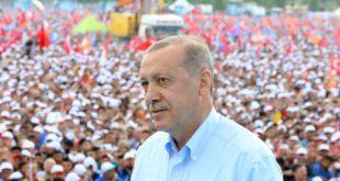 إقالة أكثر من 18 ألف موظف رسمي في تركيا بـ«مرسوم»