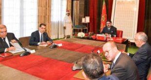 """""""بنشعبون"""" يتعهد أمام الملك بالتسديد الفوري لديون مقاولات القطاع الخاص والعام"""
