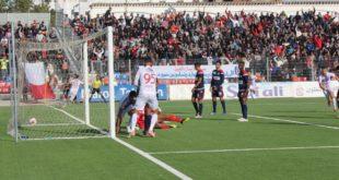 الوداد البيضاوي يسرق التعادل من المغرب التطواني في الوقت القاتل .