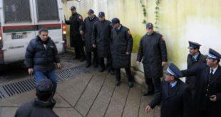 اعتقال محامي و إيداعه السجن شتم رجل سلطة برتبة ( قائد ) بكلام ساقط