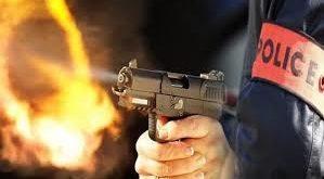 إطلاق الرصاص لتوقيف شخص عرّض أمن المواطنين وسلامة رجال الشرطة لتهديد خطير