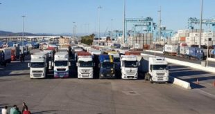 السلطات المغربية تمنع دخول الشاحنات الإسبانية غير المتوفرة على عقد تعاون مع شركة محلية