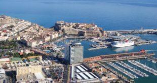 """السلطات الإسبانية تخطط لفتح خط بحري بين مليلية وميناء """"الغزوات"""" الجزائري"""