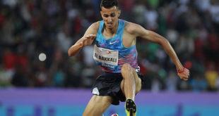"""العداء """"سفيان البقالي"""" يحقق أسرع توقيت عالمي في سباق 3 الآف متر موانع"""