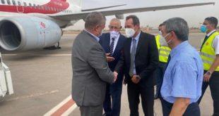وفد من الجامعة الملكية يستقبل المنتخب الجزائري بمطار مراكش-  المنارة